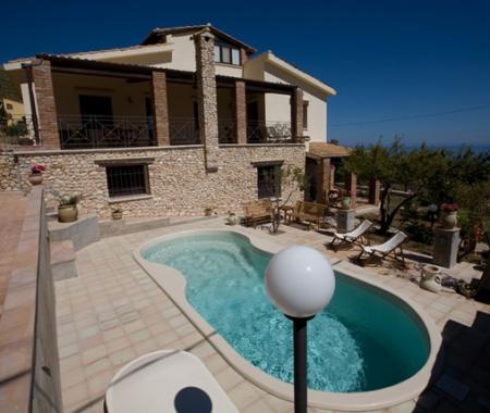 Villa Bellavista Appartamenti  Con Piscina.. Vista Mare